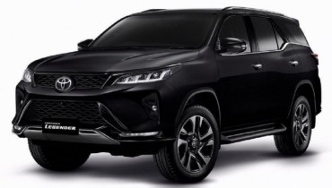 Sewa mobil Toyota Fortuner Facelift