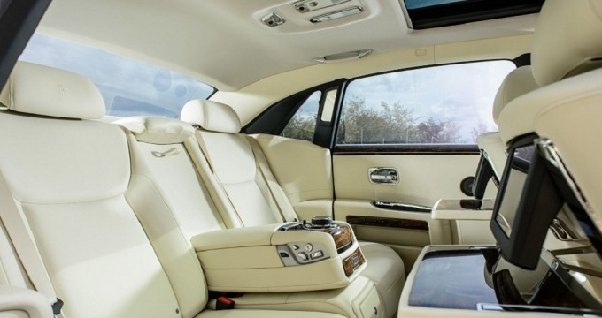 Sewa mobil online - Rolls-Royce