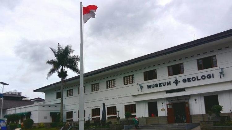 2D1N Study Tour Bandung (Tangkuban Perahu)