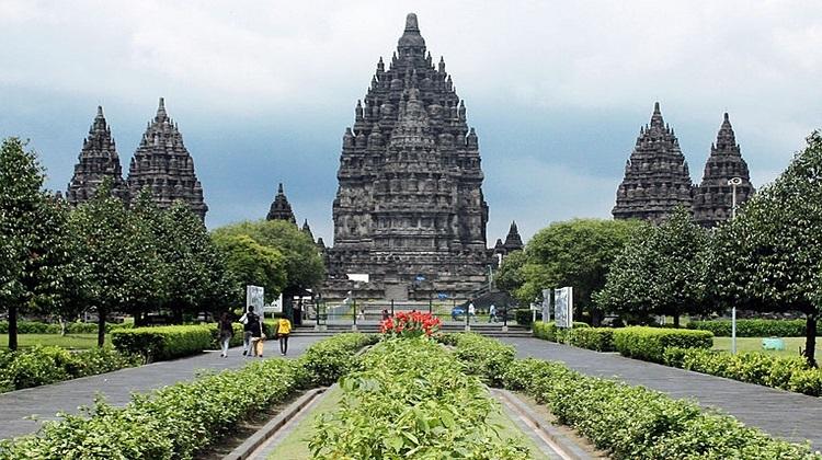 5D4N Wisata Jogjakarta