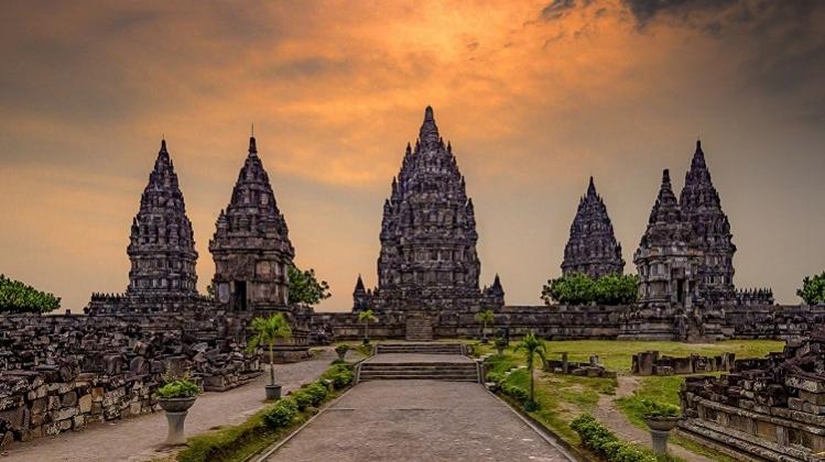 12D11N Java-Bali Overland